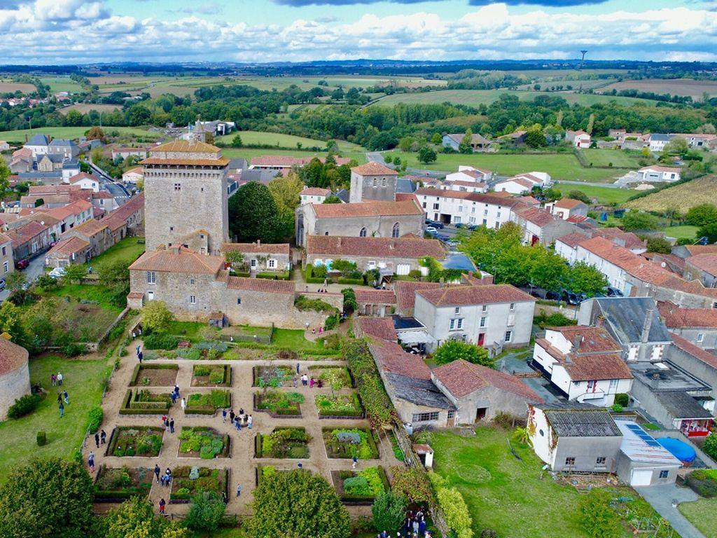 Mairie de Bazoges-en-Pareds (85390)